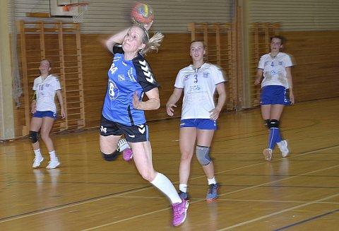 GOD: Eva Tomter er den aller mest rutinerte på Slitu/HK Trøgstad, men markerte seg likevel med hele seks mål.