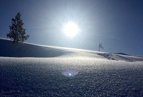 IKKE SLIK: Drømmer du om påskefjell-stemning med snø, skigåing og strålende sol, kan du glemme det. Årets påske i Ryfylke blir med stor sannsynlighet grå og våt. Arkivfoto: Elin Moen Karlsen