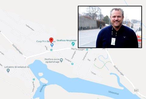 AVHØRER VITNER: Politioverbetjent Tommy Østland opplyser at det så langt ikke tyder på at det har skjedd noe straffbart i forbindelse med at en 58-åring ble funnet død i en bolig på Skotfoss.