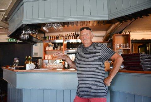 Restauranten Kafé K er reddet og slipper å møte i skifteretten, fredag. Det er en lettet daglig leder og hovedaksjonær, Ragnar Sande, som snakker med TA, fredag morgen.