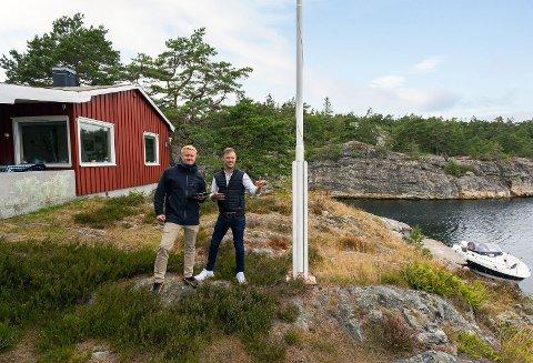 SPINNVILT: Trond Are Busk og Kristoffer Ingebretsen oppnådde en helt spesiell pris på hytta i Såsteinsundet.