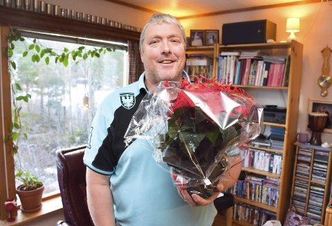 STÅR PÅ FOR GRENDA: Odd Einar Løkken på Tustna fikk TKs julestjerne for jobben han gjør for grendalaget og i grendahuset.