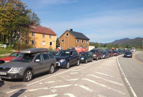 KAMPKØ: Med redusert kapasitet i en allerede ganske tynn rute, kan det bli mange i kø når trøndere skal komme seg til Kristiansund på fotballkamp lørdag.
