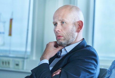 KOSTBART: Regiondirektør Tord Lien i NHO håper at Steinkjer unngår å stenge ned barnehager og barneskoler. – Det er enormt kostbart for bedriftene, og spesielt for produksjonsbedrifter, sier Lien.