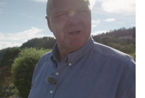 """Screenshot av Jan Dukene i NRK Brennpunkts program """"Skattejakten""""."""