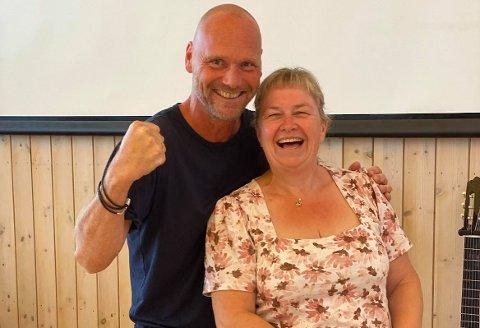 Runde Sundbø og Cathrine Langlie har imponerende nok jobbet til sammen i 50 år hos kulturskolen i Frogn.
