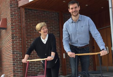 KAMP FOR PENGER: Leder ved studiesenteret på Tynset, May Tove Dalbakk sammen med Nils Kristen Sandtrøen.
