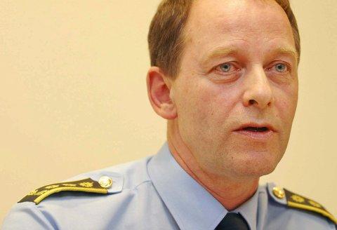 KLAR MELDING: Arne Pedersen i Agder politidistrikt ber folk låse ytterdørene.