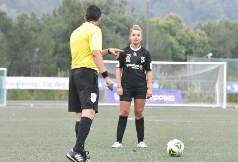 FIKK TO TILBUD: Zavier Masdalen Stewart (16) fra Gjerstad forteller at hun hadde tilbud fra to klubber, Sandefjord og Stathelle, men at hun har valgt å bli værende i Urædd.