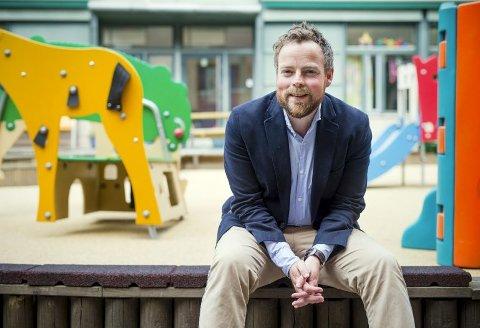 Torbjørn Røe Isaksen (H) skryter av regjeringens innsats for kunnskapsskolen.