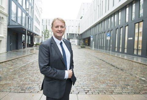 Helge Eidsnes overtar stafettpinnen etter Aslak Svedrup og har startet i ny jobb som lufthavndirektør på Bergen lufthavn Flesland. FOTO: MAGNE TURØY