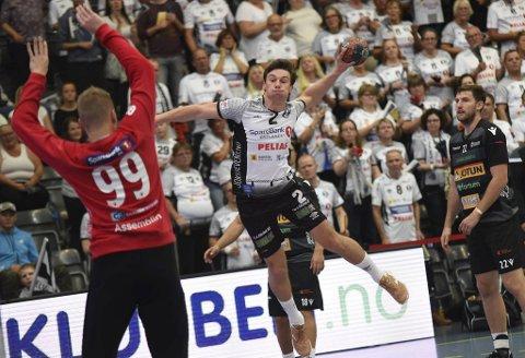 Didrik Linderud går fra Elverum til Fyllingen.