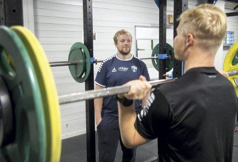 Fredrik Ruud (til høyre) håper det snart er slutt på at Tord Vårdal og Fyllingen Bergen ender midt på tabellen.