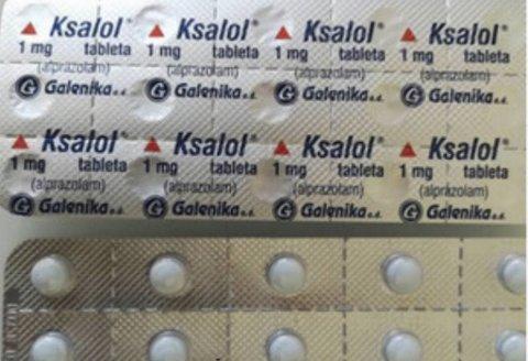 Brett med Ksalol- tabletter som er beslaglagt av politiet i Bergen.