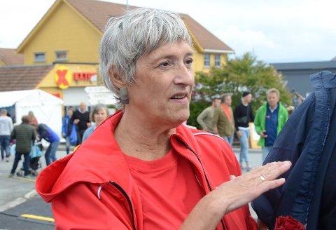 Spør om kostnadsøkning: Sølvi Ona Gjul (Ap) stiller spørsmål om brukere av eksempelvis trygghetsalarm i Rennesøy og Finnøy kan få en overgangsordning som følge av kraftig månedlig prisøkning som følge av kommunesammenslåingen.