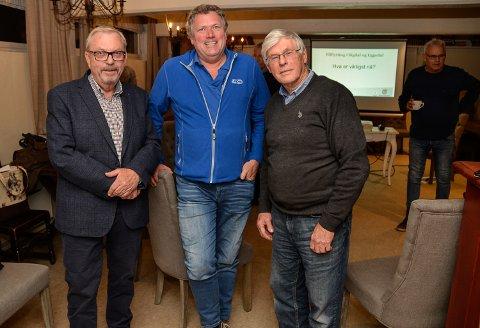 BOSETTING: Bård Sverre Fossen (f.v.), Tarjei Neverlien og Svein Dynge mener det viktigste Sigdal raskt kan gjøre for å få flere innbyggere, er å få hytteeiere til å bosette seg på hyttene sine.