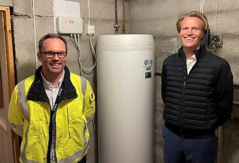 SMARTERE BEREDERE: Alf Inge Tunheim, prosjektleder FoU i Elvia og OSO-eier Sigurd Braathen sørger for at kundene får reduserte kostnader knyttet til oppvarming av vann.