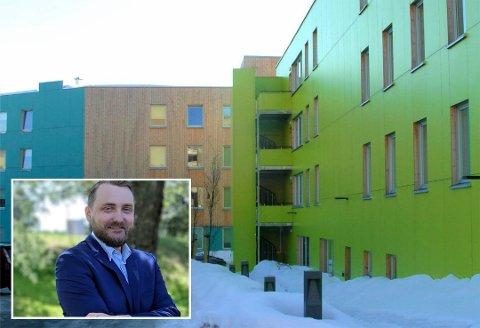 I Drammen er det rundt 375 studentboliger. Studentleder Kim Hellevammen (innfelt) jobber nå for at studentene skal komme fra koronakrisen uten økonomiske problemer.