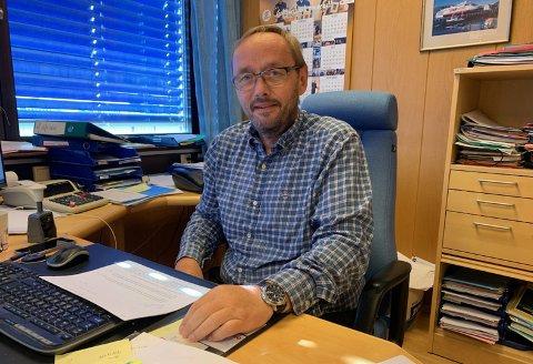 – FAKTAFEIL: Lars Helge Jensen reagerer på at kommunens saksbehandling av Snoy AS søknad om tilskudd fra næringsfondet. – Man konkluderer med at det er et godt prosjekt, men leser man utredningen får man et helt annet bilde, sier Jensen.