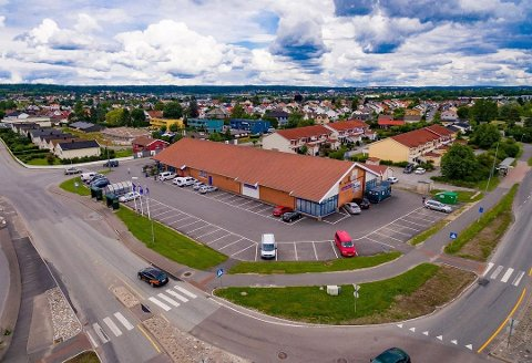 Flyttet høsten 2016: Fra november 2016 har dette handelsbygget ved Bøckmannsenteret på Selbak stått tomt. Rema 1000 flyttet da til Sorgenfri og Østsiden Storsenter.