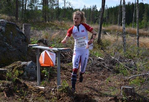 Kamilla Olaussen viste solid løping, og vant sitt heat under VMs kvalifiseringsløp over mellomdistanse.