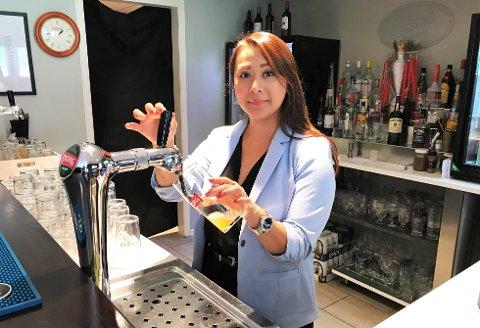 FOTBALL: My Nguyen disker opp ekstra mange halvlitere i puben når Liverpool gjester storskjermen.