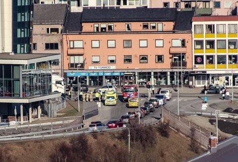 Flere uhell:Trafikkuhellet på bildet ble forklart ved at asfalten hadde blitt saltet feilaktig. I ettertid har en kvinne fra Skånland og Tryg Forsikring brukt samme forklaring i en forsikringssak mot Statens vegvesen.