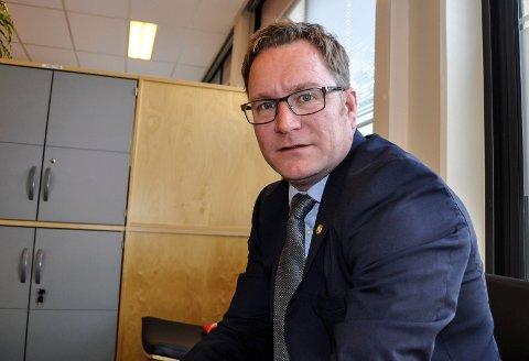 STRAMMERE LINJE: Fungerende gruppeleder for Høyre, Finn-Øyvind Langfjell, mener flertallspartiene ikke strammer inn nok i sitt budsjettforslag.