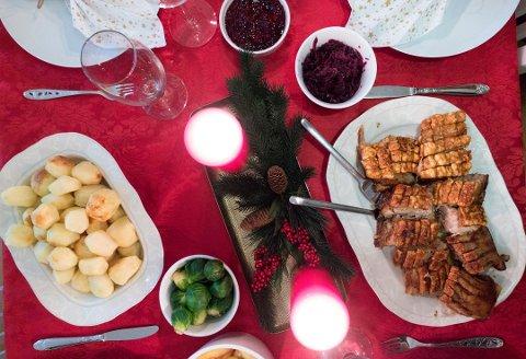 KLASSIKER: Ribbe er tradisjon og for mange av oss selveste julemiddagen her i distriktet. Nesten halvparten velger denne klassikeren 24. desember.