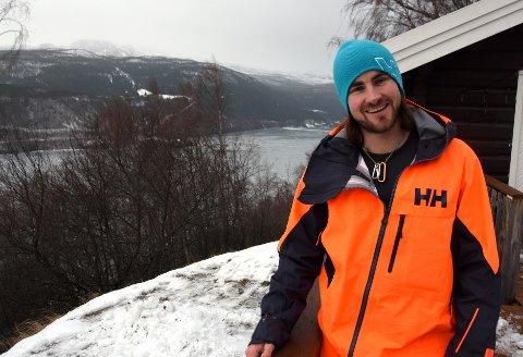 VAGVÆR: Dennis Risvoll roser miljøet på Lemonsjøen.