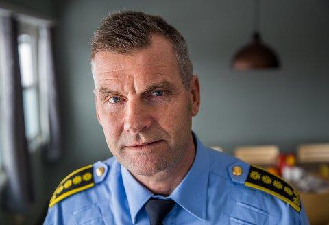 Terje Krogstad, stasjonssjef på Lillehammer politistasjon, håper noen har observasjoner av den stjålne bilen etter det store sykkeltyveriraidet i Lillehammer for en uke siden.