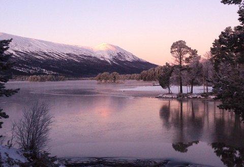 I Gudbrandsdalen kan man i julen få et vær preget av årstiden, der det noen dager vil være oppholdsvær og snø andre dager.