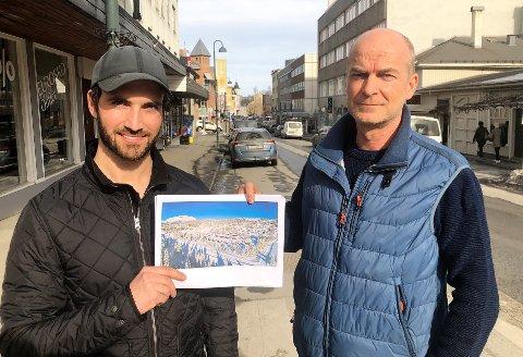 BYGGER: Øystein Topp (t.h) og Dag Alexander Olen satser stort på hytte- og boligmarkedet gjennom sitt nystiftede Systemprosjekt Innlandet AS.