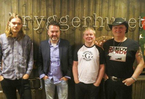 KONSERTKULTURELITEN: Fra venstre: Jørgen Nilsen, Martin Gundersen, Halvor Diesen og Thrond Asker. Tilsammen innvolvert i hundrevis av haldenkonserter årlig.