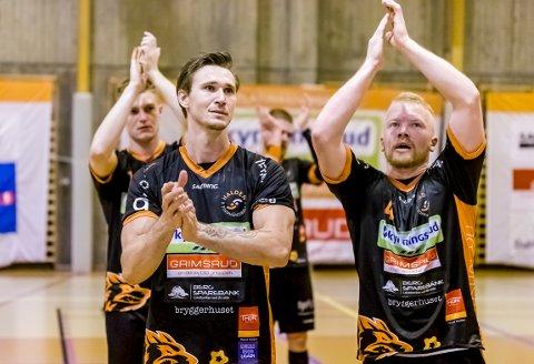 SKUFFET: Kristoffer Stenberg Henriksen og Trym Bilov-Olsen var skuffet etter at cupfinalehåpet brast for HTH: