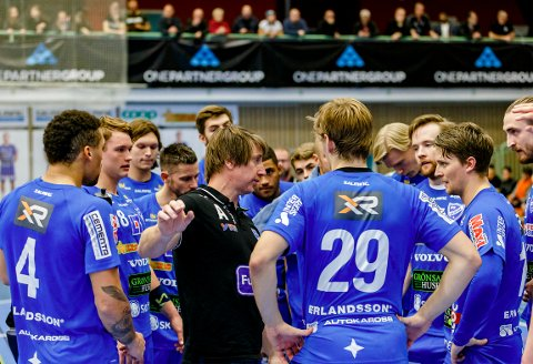 BRONSE: Jonas Wille ledet IFK Skövde til bronsemedalje i den svenske Handbollsligan. Nå venter SM-kvartfinaler mot Lugi.