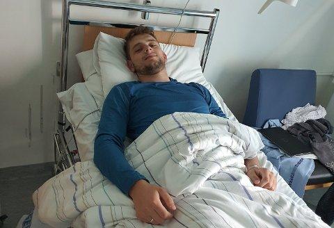 KJIP OPPLADING: Håkon Ruud (22) ble innlagt på Haugesund sjukehus torsdag. Lørdag sto han som brudgom i Etne kirke.