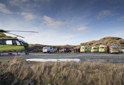 Dykker omkom: Både Luftambulansen og lokale redningsmannskaper rykket ut til ulykkesstedet i Kvalsvik i Haugesund, men livet sto ikke til å redde for dykkeren som fikk problemer under kurset. ArkivFoto: Terje Størksen