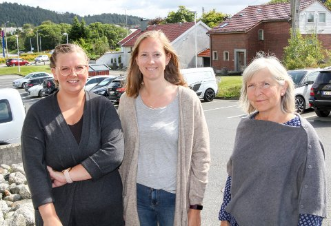 ENGASJERTE: Sykepleierne Charlotte Gilbu (f.v.), Synnøve Gudbrandsen Knutsen og Anne Valen Westre håper politikerne tar sykepleiermangelen på alvor, og kommer opp md en plan for hvordan problemet skal løses.