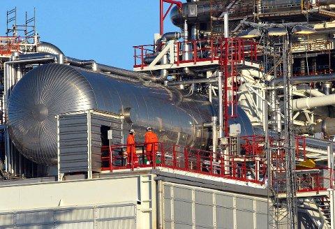 LØNNSDRIVENDE: Oljen har løftet Finnmark oppover på statistikken over lønn til mellomledere. Illustrasjonsfoto