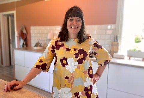 TIL INSPIRASJON: Julia Døhlen Edin har slitt med mageproblemer i store deler av livet. Nå vil hun inspirere andre til hvor enkelt man kan  takle det i hverdagen.