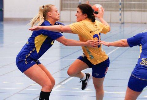SESONGEN 2019/2020: Siste sesongen for  SIL/MHK i 3. divisjon, og bildet er fra kampen mot Strindheim i Stamneshallen. Isa Helene Sørnes på vei gjennom forsvaret til Strindheim.