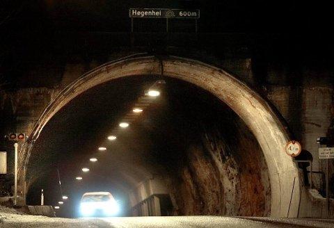 STENGER: Neste uke er det ikke mulig å kjøre gjennom Høgenheitunnellen ved Lasses i Bamble på natta.