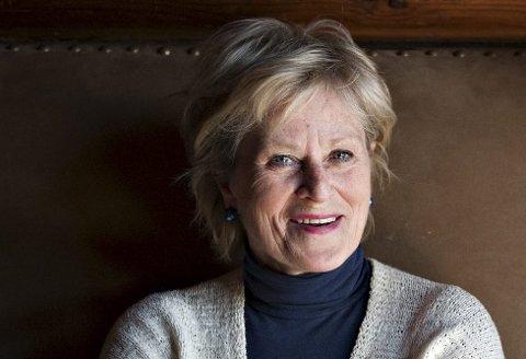 Like blid: Anne Marie Ottersen fra Kongsberg er en av Norges mest kjente skuespillere. I dag fyller hun 70. – Kan vi ikke være enige om at 70 er det nye 50? sier hun og ler. FOTO: S. WESETH