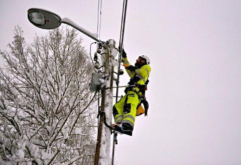 I går kveld var strømmen borte i Hvittingfoss-området. Onsdag morgen skal ingen være uten strøm.