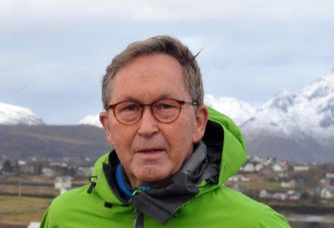 Kommunepolitiker Terje Wiik (KrF) merker uro for framtiden blant bønder i Vestvågøy. Han mener kommunens ledelse bør pleie nærmere kontakt med næringslivet.