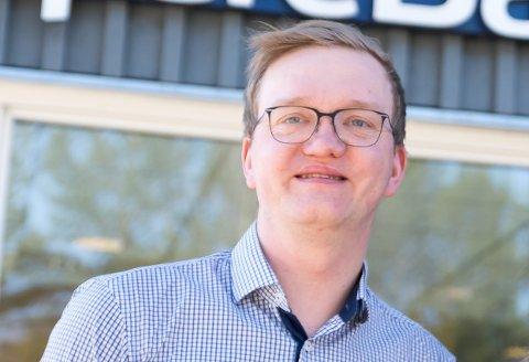 KORONASOMMER: Banksjef Ole Anders Olsen håper det blir en travel sommer for bedriftene som har fått tilskudd for å tilby sommerjobb for ungdom.