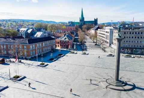 Smittetallene stiger i Trondheim. Neste uke skal den lokale koronaforskriften vurderes på nytt.
