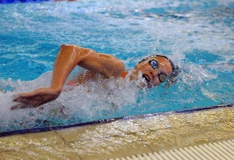 TALENT: Marte Løvberg fikk med seg en femteplass i EM for juniorer nylig. Nå svømmer hun for medaljer i NM.