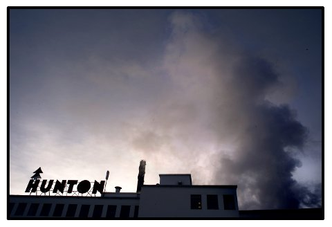 Hunton Fiber i Gjøvik er en hjørnesteinsbedrift med svært sterke bånd til byen. ARKIVBILDE